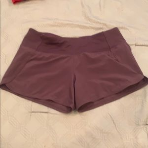 Lululemon plum run times shorts. 4 in.